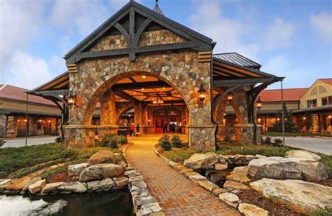 Hotels Lake Lanier GA