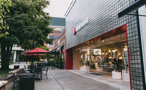 Lululemon University Village Seattle