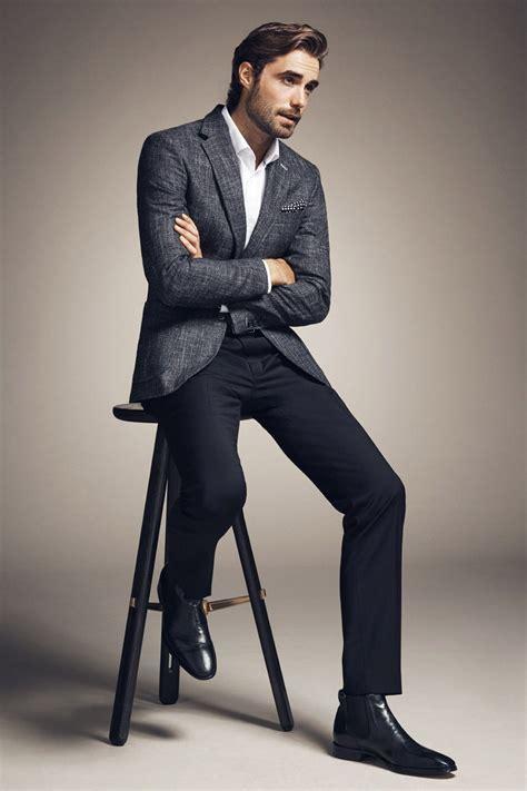 Men's Suit with Chelsea Boots