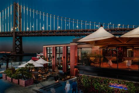 Restaurants along Embarcadero SF
