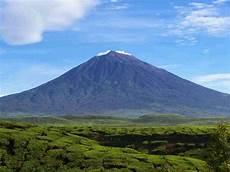 Wow Gunung Berapi Tertinggi Di Asia Tenggara Ternyata Ada