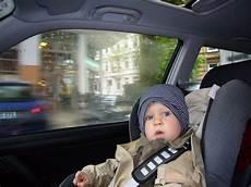 versicherung und kinder beim auto differenziert zu
