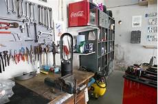 werkstatt einrichten jedes werkzeug am rechten hobbywerkstatt werkstatt einrichten ideen