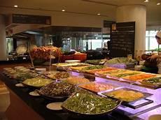 Inn Buffet Hours by International Buffet Caf 233 G Inn