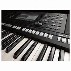 yamaha psr s775 portable arranger workstation at gear4music