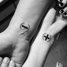 Partner Vorlagen - 30 tiny matching tattoos ideas for couples