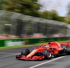 Vettel Bestzeit Im Freien Vor Der F1