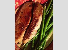 pepper  grilled tuna steak with parsley   garlic butter_image