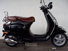 2011 vespa lxv 50 in color black