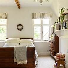 Bedroom Decorating Ideas With Wood Furniture by Black And White Bedroom Ideas Sleepy Town Wood