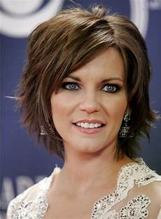 20 ideas of short bob hairstyles with feathered layers