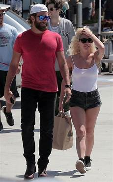gaga und bradley cooper bradley cooper gaga from the big picture today s