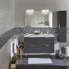 salle de bain et gris du gris et du blanc pour la salle de bains appart en