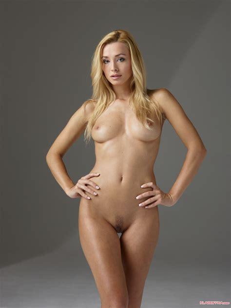 Lucie Wild First Anal Sex Sz363