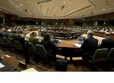diretta consiglio dei ministri eunavfor med via libera dell ue alla missione navale per