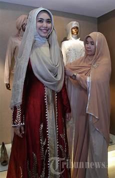 Oki Setiana Dewi Fitting Baju Pengantin Foto 7 945091