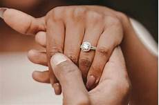 wedding ring finger which finger does your wedding and engagement rings go hitched co uk