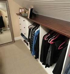 penderie sous comble 1001 id 233 e pour un dressing sous pente gain de place closet dressing sous pente dressing