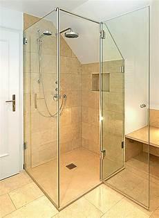dusche in schräge glaserei zettl glasduschen