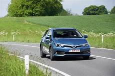 Essai Toyota Auris L Hybridation Simple Mais Sans Bonus