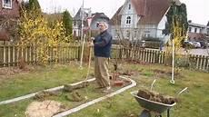 Rasenkantensteine Verlegen Ohne Beton - m 228 hkanten verlegen und ein neues beet anlegen im april
