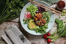 vegane poke bowl mit erdnuss tofu rezept tofu