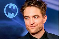 robert pattinson twilight actor robert pattinson is officially the new