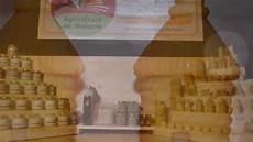 fabrication artisanale de bougie en cire rucher du