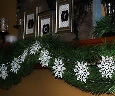 schneeflocken girlande basteln decorations snowflake garland