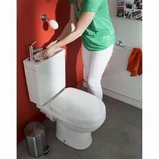 toilette au lavabo des toilettes 233 colos et 233 conomiques avec un lavabo int 233 gr 233