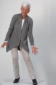 mode für ältere damen seniorenmodelle de agentur f 252 r modelle ab 50 tv