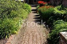 jardin en ligne brick path block paving image paved pathway