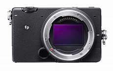 frame mirrorless digital sigma introduces smallest and most lightweight frame