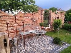 Ruinenmauer Selbst Gemacht škarpa Sitzecken Garten