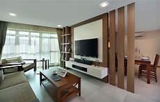 Tv Wandpaneel Aus Holz Als Raumteiler Wohnung