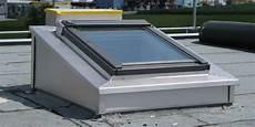fenetre pour toit plat fen 234 tres pour toit plat velux efficaces et avantageuses