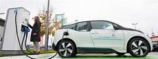 umbau des stromnetzes f 252 r elektroautos kostet milliarden