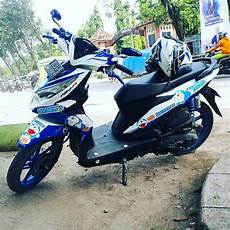 Striping Beat 2018 Modifikasi by Foto Cutting Sticker Motor Beat 2018 Modif Sticker
