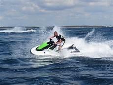 Scoot Wave Activit 233 S Autour Du Jet Ski Et Des Scooters