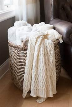 Home Decor Gift Basket Ideas by Best 25 Blanket Basket Ideas On Blanket