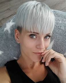 10 short hairstyles for over 40 pixie haircuts 2020