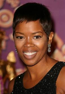 short textured hairstyles for women