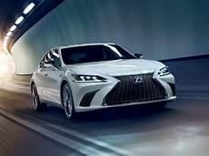 lexus is 2020 bmw 2020 lexus es luxury sedan features lexus