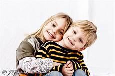 Ausmalbilder Bruder Und Schwester Bruder Schwester Foto Bild Kinder Kinder Ab 2