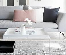 coussin pour canapé gris on a choisi 50 housses de coussins pour trouver la meilleure