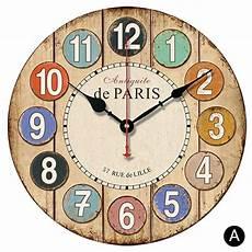wanduhr landhaus rund bunte design aus holz clock