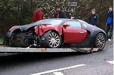 Buggati Veyron Crash by Bugatti Veyron Crash Photos