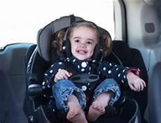 ab wann dürfen kinder im auto vorne sitzen ab wann d 252 rfen kinder im auto vorne sitzen so f 228 hrt ihr