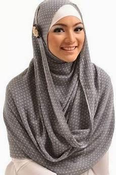 Tips Memilih Model Jilbab Sesuai Bentuk Wajah Oval Dan