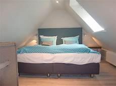 dachboden schlafzimmer ideen schlafkoje im spitzboden bilder zimmer apartmenthaus